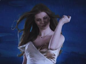 Zoë (Austria) performs Loin d'ici at Eurovision 2016 (@ Eurovision)